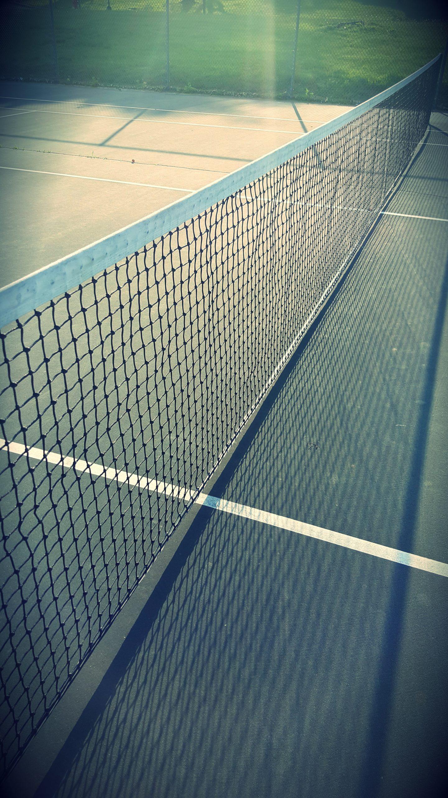 2nd Avenue Beachside Apartments tennis court